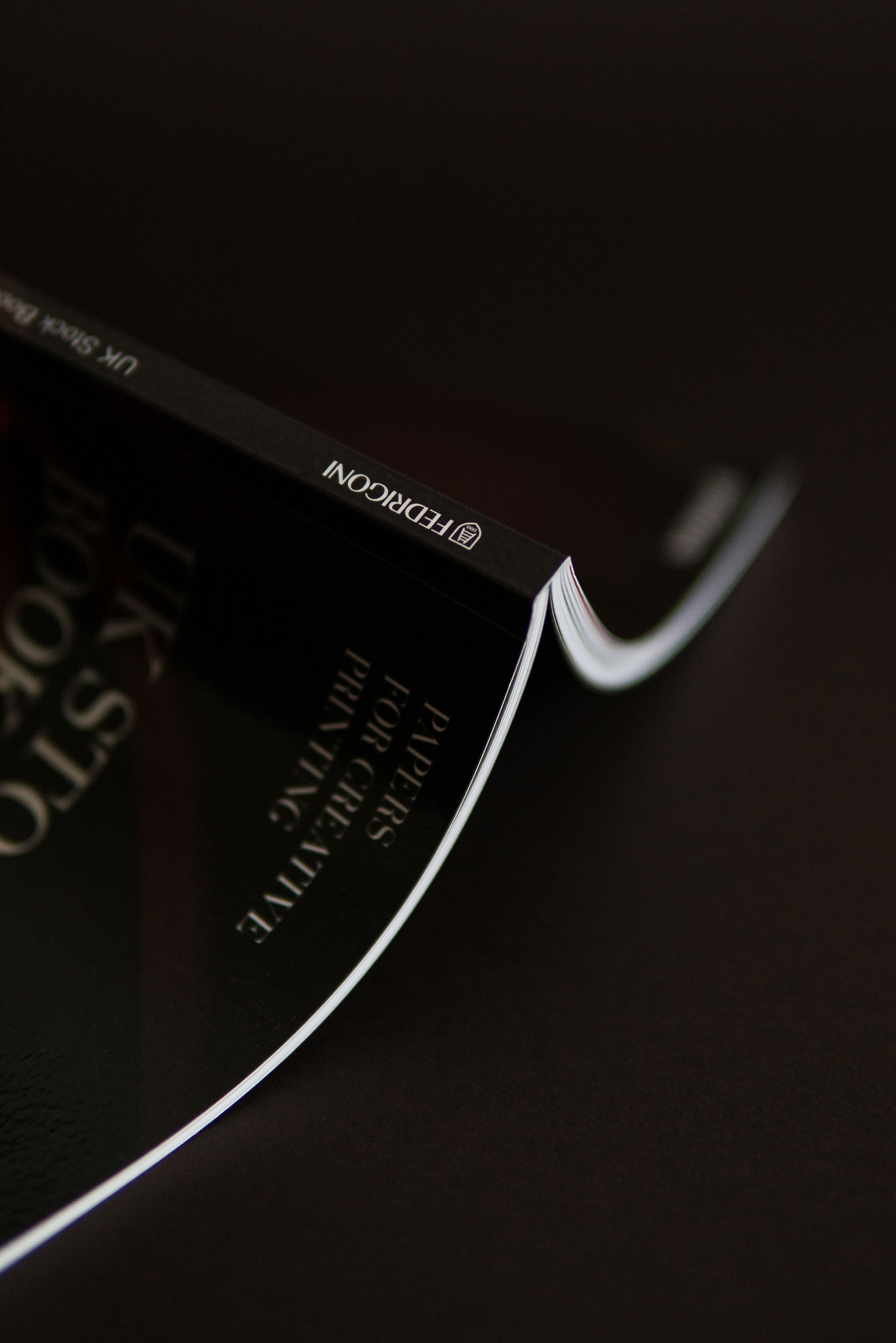 Fedrigoni-UK-Stock_Book_300dpi_15